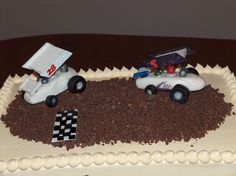 Sprint Cars - Banana Cake filled and frosted in buttercream. The dirt track is chocolate. The sprint cars and finish line are marshmallow fondant. Birthday Cakes, Birthday Ideas, Race Car Cakes, Dirt Racing, Marshmallow Fondant, Tailgate Food, Sprint Cars, Dirt Track, Party Cakes