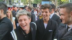 ONE DIRECTION WORLD PREMIERE: Niall Horan, Liam Payne and Louis Tomlinson are fun on the red carpet