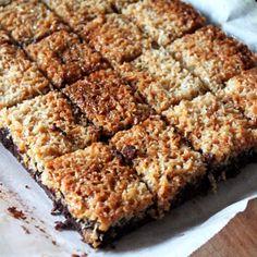Baileys Cookies and Cream Parfait Baking Recipes, Cake Recipes, Snack Recipes, Snacks, Chocolate Easter Cake, Jam Tarts, Swedish Recipes, Sweet Pie, Desert Recipes