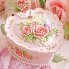 Beautiful cakes-Najlepše torte: Cakes for all occasions 11 -torte za sve prilike 11 Pretty Cakes, Beautiful Cakes, Amazing Cakes, Heart Cakes, Valentine Cake, Valentines, Pretty Box, Occasion Cakes, Fancy Cakes