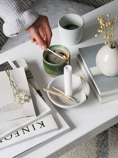 Scandinavian-inspired homeware from independent interior shop Marehalm [AD] - coffee table styling - hygge moments - Scandinavian style - kinfolk magazine - concrete candleholder Coffee Table Styling, Diy Coffee Table, Coffee Table Design, Decorating Coffee Tables, Coffee Candle, Scandinavian Style, Scandinavian Interior, Scandinavian Cottage, Boys Room Decor