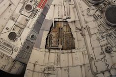 I am so pleased to see builds of the DeAgostini studio scale Millennium Falcon being completed! Millennium Falcon Model, Star Wars Vehicles, Star Wars Models, Science Fiction, Miniatures, Magic, Studio, Starwars, Falcons