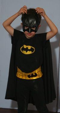 DIY batman costume- for Reuel's summer camp Batman And Robin Costumes, Batman Costume For Kids, Batman Halloween Costume, Halloween Costume Contest, Halloween Diy, Batman Robin, Batman Cape, Halloween Horror, Happy Halloween