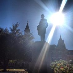 Great shot of the sun over Burleson Quadrangle on the #Baylor University campus (via @shmount on Twitter) #sicem