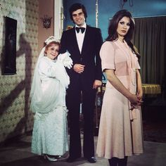 Adile Naşit, Tarık Akan, Gülşen Bubikoğlu / Ah Nerede / 1975 Claire Danes, Bridesmaid Dresses, Wedding Dresses, Good Old, Actors & Actresses, Dress Up, Hollywood, Celebrities, People