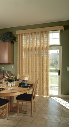 Patio Door Treatments - Sliding glass patio doors are a wonderful idea; they create a sense of extra space by bringing your patio and backyard inside. Kitchen Patio Doors, Kitchen Sliding Doors, Patio Door Blinds, Sliding Glass Door, Glass Doors, Blinds Diy, Budget Blinds, Wood Blinds, Roman Blinds