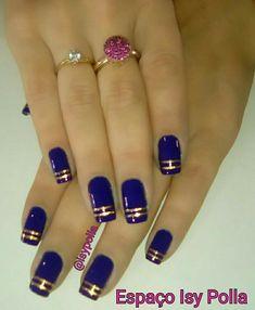 Navy and gold but just the ring finger - Marine und Gold, aber nur der Ringfinger - Elegant Nail Designs, Holiday Nail Designs, Black Nail Designs, Simple Nail Art Designs, Elegant Nails, Stylish Nails, Blue Acrylic Nails, Red Nails, Black And Blue Nails