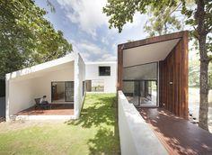Gallery of Mae Kao Canal House / EKAR & Full Scale Studio - 1