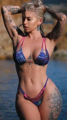 Aziatische Porn Star met tatoeages