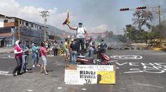 Reportar en twitter Protestas y fuerte represión policial en la ciudad de Mérida | Diario de Venezuela