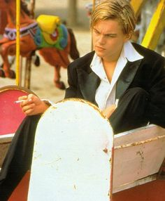 Image shared by Michelle. Find images and videos about leonardo dicaprio and romeo & juliet on We Heart It - the app to get lost in what you love. Leonardo Dicaprio Romeo, Claire Danes, Intj, William Shakespeare, Leo Decaprio, Romeo Montague, Romeo Juliet 1996, Jack Dawson, Baz Luhrmann