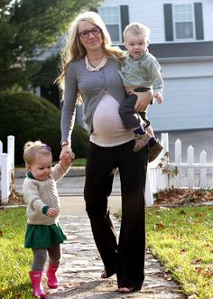Cardigan outfit for pregnant women :)