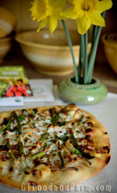 Caramelized Onion, Asparagus, and Goat Cheese Pizza