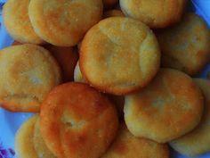 Nagyi titkai a házias ízekről receptekkel: Krumplis pogácsa Peach, Vegetarian, Sweets, Dishes, Cookies, Baking, Fruit, Recipes, Food