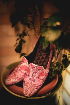 An Intimate Mumbai Wedding With A Bride Who Wore Her Dream Lehenga! Indian Wedding Planning, Wedding Planning Websites, Sunset Wedding, Our Wedding, Groom Accessories, Groom Shoes, Groom Wear, Bridal Outfits, Bridal Lehenga
