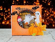 Trick or treat! Made using the @tatteredlaceuk Halloween Collection…