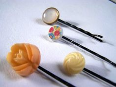 The Lonely Button Hair Pin
