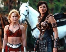 """Xena and Gabrielle. Xena: """"Even in death, Gabrielle, I will never leave you"""". Lucy Lawless, Boris Vallejo, Xena Warrior Princess Cast, Beautiful People, Tv Shows, Wonder Woman, Actresses, Superhero, Hercules"""