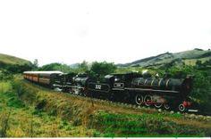 Locomotivas 332 e 327 em Trem Especial