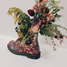Dr. Martens (@drmartensofficial) taps in to that 90s grunge feeling of #SS17 delivering pastoral florals and a no fks given attitude via this updated 8-eye boot. (: @iamviettran/: @itsdwallace) #ELLEfashioncupboard #DrMartens  via ELLE UK MAGAZINE OFFICIAL INSTAGRAM - British Fashion Campaigns  Haute Couture  Advertising  Editorial Photography  Magazine Cover Designs  Supermodels  Runway Models