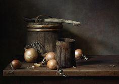 Dutch Still Life, Still Life 2, Still Life Photos, Leaf Photography, Still Life Photography, Claudio Bravo, Old Wooden Doors, Painting Still Life, Light Painting