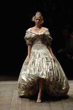 Alexander McQueen Fall/Winter 2006, Widows of Culloden.