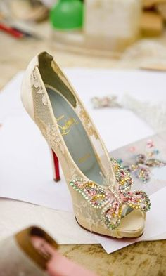 f91a643d28db56 Pastel beaded butterfly wedding shoes. www.diamondconsignmentstore.