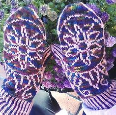 Ravelry: Mandala Mitts and Hat pattern by Victoria Myers