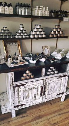 Displays, craft show ideas, display ideas, market displays, store displays Gift Shop Displays, Craft Fair Displays, Boutique Displays, Market Displays, Retail Displays, Kosmetik Shop, Soap Display, Candle Display Ideas, Craft Show Booths