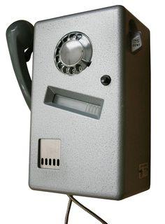 oude telefoon, hing oa in de sporthal, voor f 0,25 cent naar huis bellen om opgehaald te worden