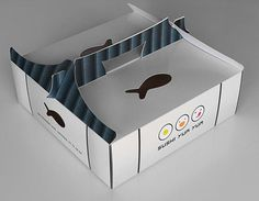 The project brief was to come up with a creative solution to hold take-away plastic boxes of sushi while keeping the design simple, creative and fresh. The inspirations for the design were a mixte of Japanese and chinees architecture. Takeaway Packaging, Food Packaging Design, Box Packaging, Fries Packaging, Packaging Dielines, Organic Packaging, Design Café, Menu Design, Logo Design