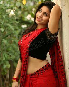 Beautiful Jiya Khan Warsi posing in Red Saree - Ragalahari Super Exclusive Studio Shoot Saree Navel, Red Saree, Traditional Sarees, Indian Girls, Indian Ethnic, Sexy Curves, India Beauty, Indian Sarees, Indian Actresses