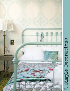 painted iron bed - colour combo is lovely