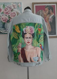 Denim jacket with art; Jacket with painting; Painted Bags, Painted Clothes, Hand Painted, Custom Clothes, Diy Clothes, Frida Art, Painted Denim Jacket, Denim Art, Embellished Jeans