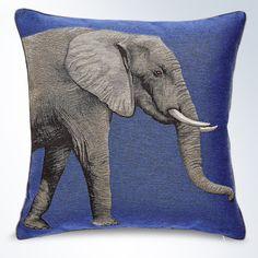 Dieses Meisterwerklich Gestaltete Kissen, Mit Einem Weisen Elefant, Wird In  Einem Französischen Atelier,