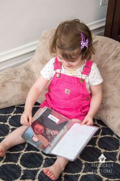 Learn how to make a simple family photo book to stay connected to family even if they are far away! You can add as many photos as you'd like to this easy project and see your family any time you'd like!