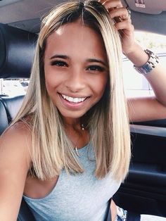 Blond hair, love the color and the hair cut Pinterest : @msmellystone