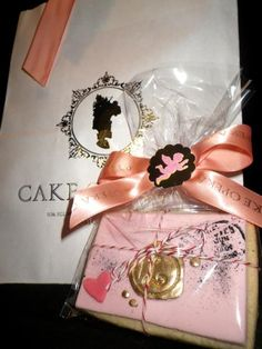 A Vanilla Bean Love Letter Cookie from Cake Opera Co. Someone should send me this :)