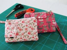 YouTube Summer Handbags, Fabric Purses, Diy Purse, Patchwork Bags, Pouch, Wallet, Carina, Bag Making, Fabric Crafts