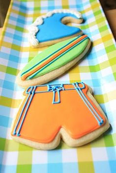 Summer cookies By: Munchkin Munchies. Pinned By: #TheCookieCutterCompany www.cookiecuttercompany.com #summer #cookies #decorated