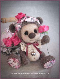 Rosy, nounours feutré à l'aiguille :)