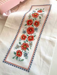 Cross Stitch Patterns, Punto De Cruz, Dots, Counted Cross Stitch Patterns, Punch Needle Patterns