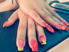 #redfluo#coralfluo#fluoestate#brillantini#sfumato#tramonto#palma#nails#estive#estateasantodomingo#nailsxisolecaraibiche#marestupendo#decorazioninails#fixelnailslaboratory