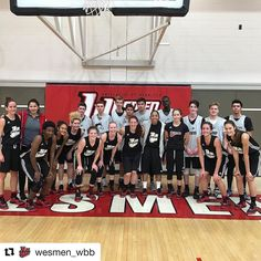 @wesmen_wbb with Sturgeon Heights varsity boys basketball team. @wesmenathletics openers next weekend