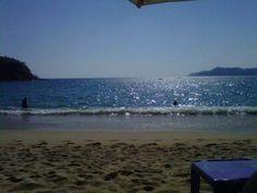 Frente al mar tomando sol y relajándome