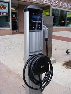 Public EV charging station. Flickr user: DDOTDC.