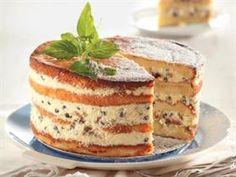Koop sommer sponskoeke by die winkel om hierdie resep te maak. Baking Recipes, Cake Recipes, Dessert Recipes, Desserts, Nougat Cake, Kos, Let Them Eat Cake, No Bake Cake, Yummy Cakes