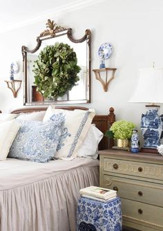 We never tire of beautiful farmhouse decor. Whether you're renovating your country bedroom or decorating your farmhouse kitchen, agree to cues . ** Find out more at the image link. Country Bedroom Design, French Country Bedrooms, French Country Living Room, Modern Bedroom Design, French Country Decorating, Bedroom Designs, French Cottage, Home Decor Bedroom, Diy Home Decor