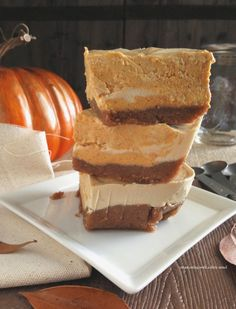 Celebrate the pumpkin spirit with this amazing Paleo Pumpkin Swirl Cheesecake Squares recipe from @cleandirtyeats! #paleo #primal #pumpkin