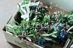 FLOWERS- Should You DIY Your Wedding Flowers? | 10 Dos & Don'ts To Help You Decide | Bridal Musings Wedding Blog